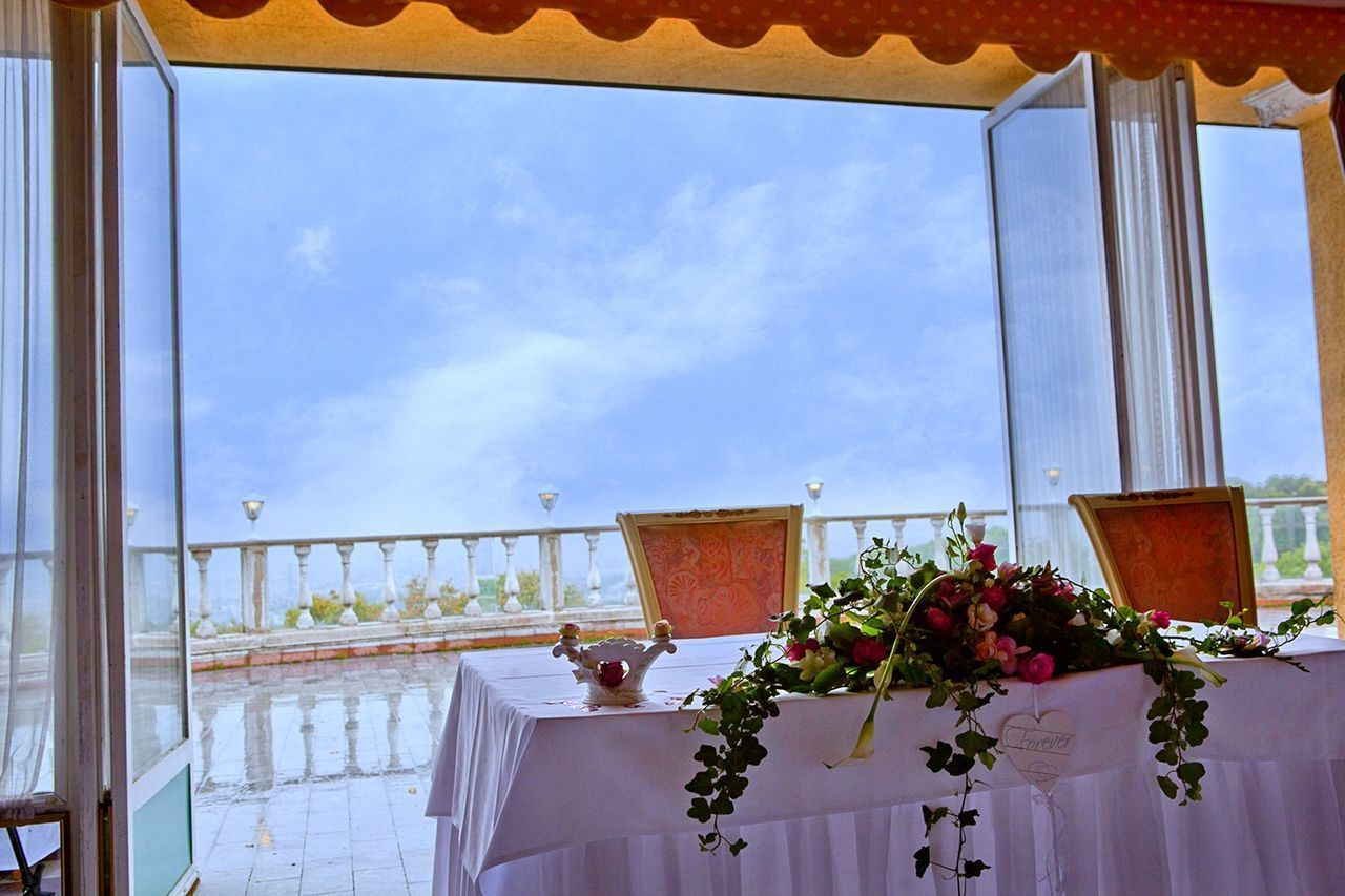 Maybe forever 🌼 Celebration Event Day Flower Flower Arrangement Flower Decoration Forever Fragility Freshness Indoors  Low Angle View Nature No People Sky Special Moments Table Decoration Wedding Window