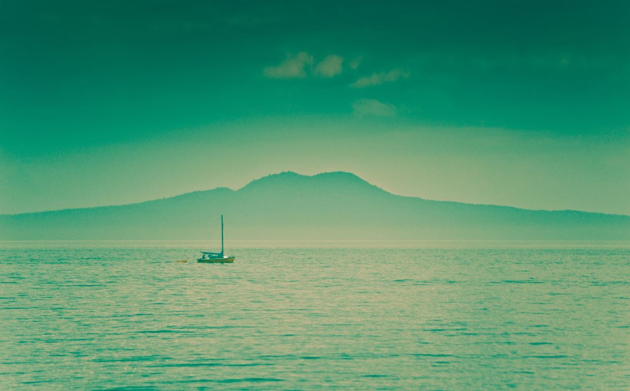 Rangitoto Island Volcano New Zealand Volcano Auckland Sailing Peaceful Evening Calm Ocean Yacht Tourist Attraction
