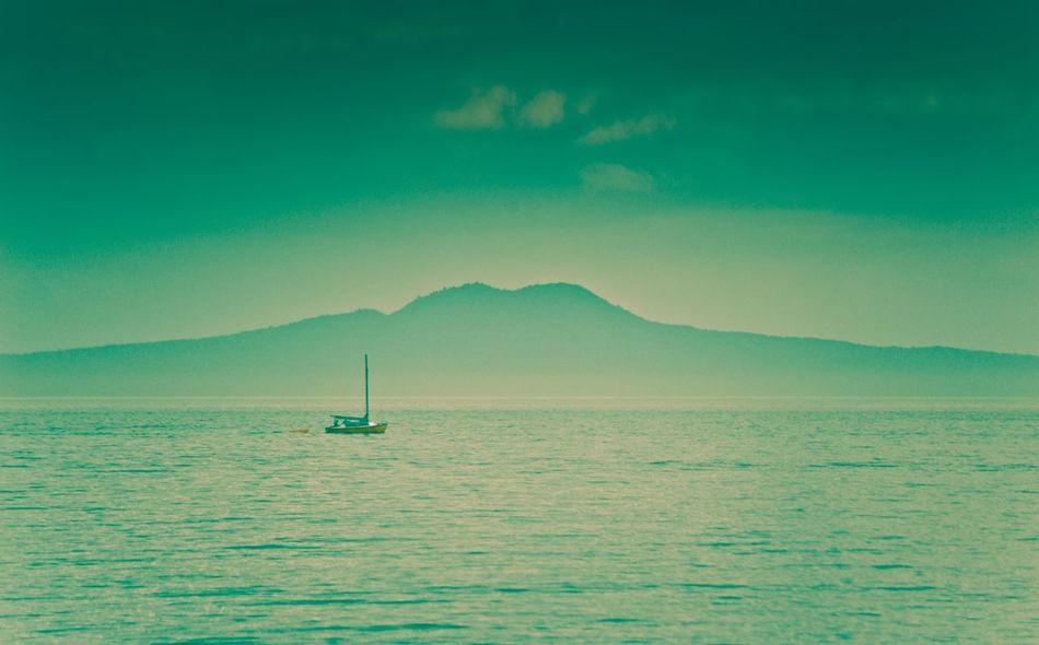 Rangitoto Island Volcano New Zealand Volcano Auckland Sailing Peaceful Evening Calm Ocean Yacht Tourist Attraction