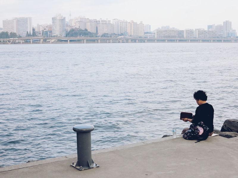 Feel The Journey 한강 대한민국 Korea Seoul 서울 Miles Away The Street Photographer BYOPaper!