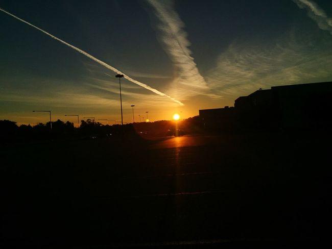 Good morning!😎 IPhone Photography Sunrise_Collection Sunrise Skyporn Sky Mobilephotography Mobile Photography Clouds Clouds And Sky Cloudporn