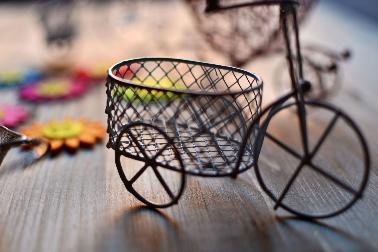 selective focus, no people, basket, indoors, close-up, day, freshness