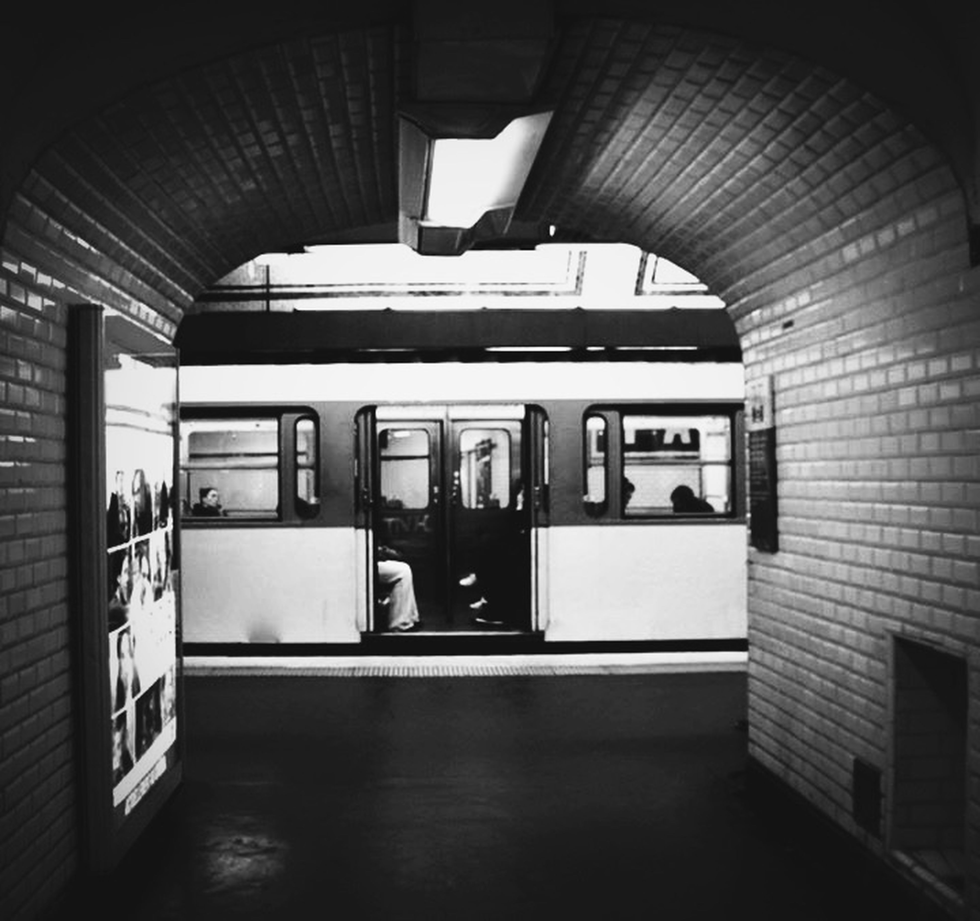indoors, public transportation, transportation, illuminated, interior, architecture, built structure, empty, railroad station, rail transportation, train - vehicle, ceiling, mode of transport, absence, travel, in a row, technology, railroad station platform, no people, incidental people