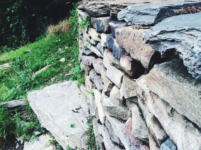 West Virginia Harpersferry Rocks Green Outdoors Camp