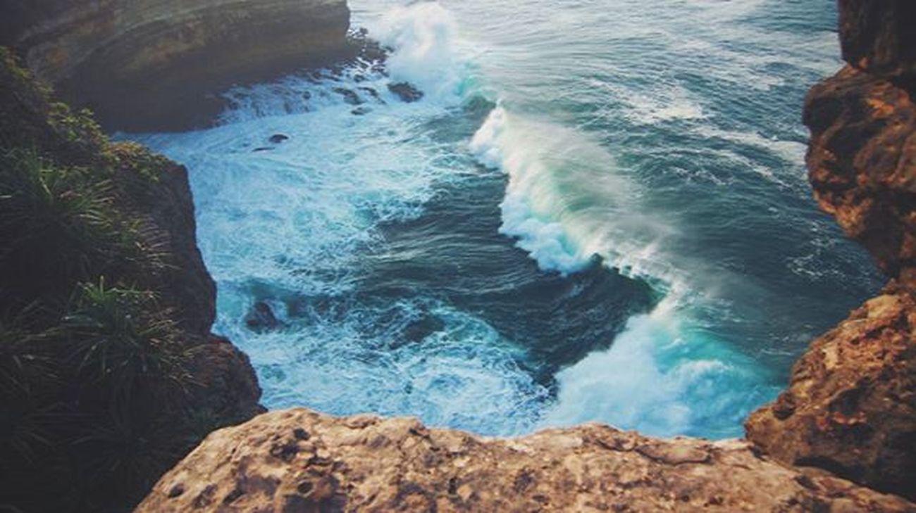 A smooth sea never made a skilled sailor Akujalanjalanloh Sea Ocean Hindia Gunungkidul Indonesia_photography Yogyakarta Indonesiaparadise Indotravellers Ngitun Can_500