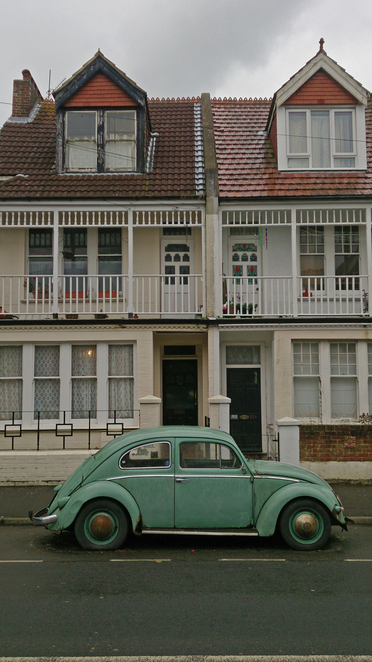 Alter Vw Käfer Day Englische Strasse English Houses English Street No People Old Vw Beetle Outdoors Surreal Turquoise Türkis VW Beetle