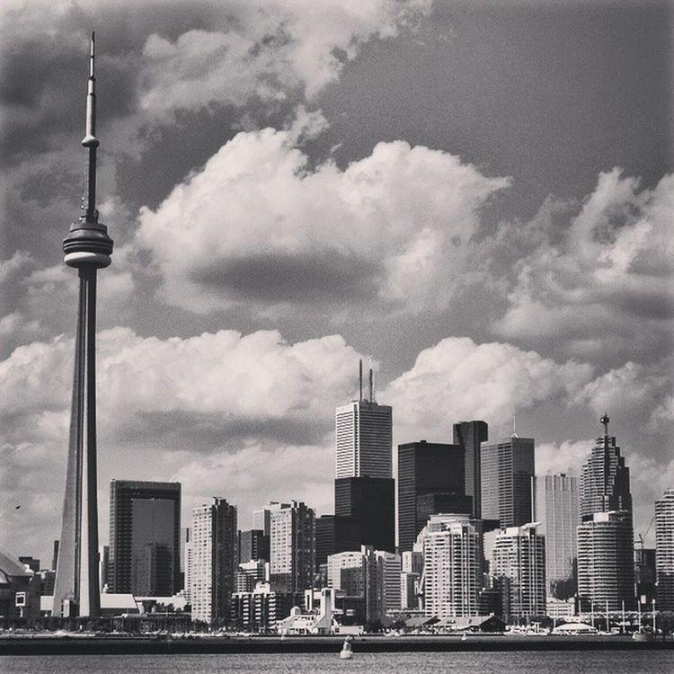 CN Tower YSBH Tlpicks Wanderlust Worldplaces Bestvacations Beautifuldestinations Globejetsetter Toronto Canada Lonelyplanet Travelphotography