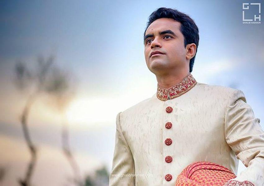 Southasian Groom in Style Ghalib Hasnain Photography & Films Weddings Groom Groomdetails Groomportrait Southasianweddings Ghalibhasnain Moments Smile Hapiness Weddingmoments Weddingshoot Karachi Wppi16