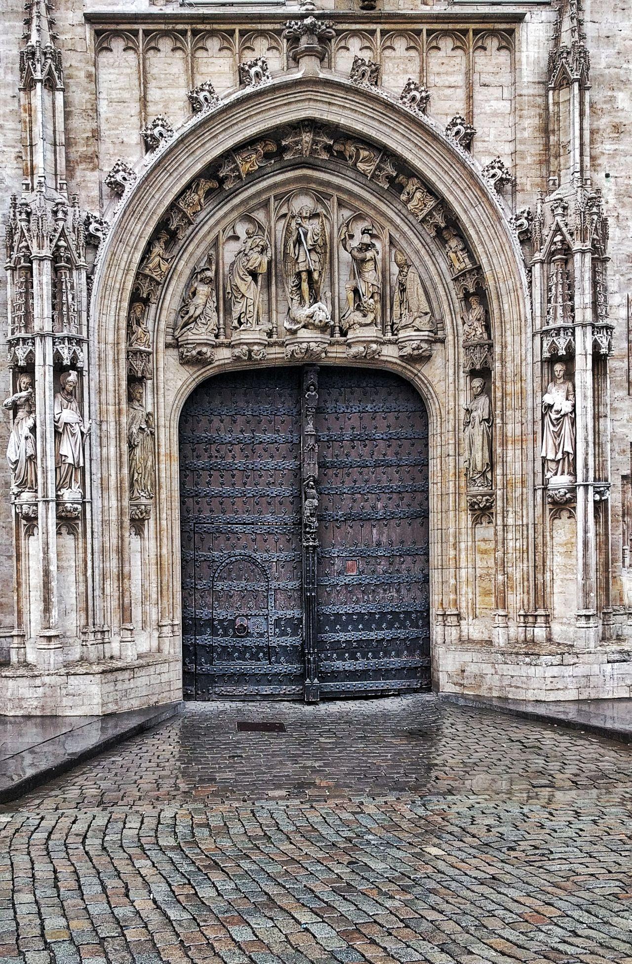 Arch Built Structure Architecture Travelphotography Travel Photography Travel Destinations Traveling Brussels❤️ Bruxelles Church Mideval Building