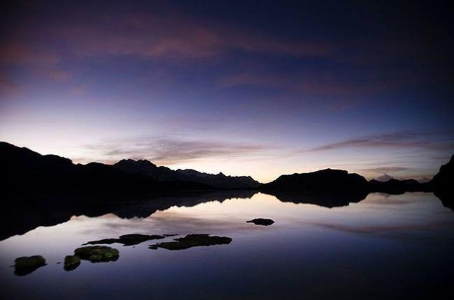 Reflections Bolivia Sunset CordilleradeLosAndes Losandes Naturelovers TresCruces Quimsacruz Amazing ThisisBolivia Lake Sky Skywater Reflection