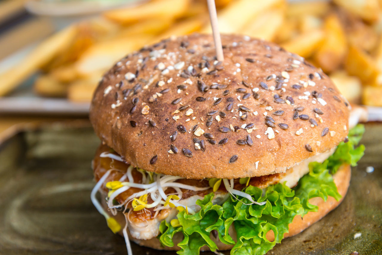 Bread Bun Burger Chicken Close-up Day Fast Food Food Food And Drink Freshness Hamburger Indoors  Lettuce Meat No People Ready-to-eat Sandwich Sesame Unhealthy Eating