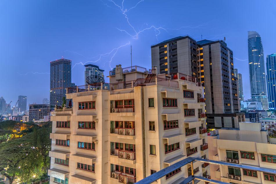Could not sleep it was a rainy night Lightning Lightning Storm Lightning Strikes Lightningphotography Lightning Flash In Sky Lightningstrike Lightning Behind Clouds Bangkok Bangkok Thailand. Visitbangkok Nature ASIA Me My Photography Photo UAE Uae,abudhabi Clouds And Sky UAE , Dubai Clouds Rain Rainy Days RainDrop Love