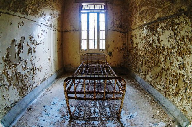 """The """"room"""" ... Bed fixed to floor in a Abandoned asylum somewhere in Italy Abandoned Buildings Abandoned Places Beauty Of Decay Decay Urban Decay Urbanexploration Urbexphotography Taking Photos Open Edit Fresh 3 EyeEm Best Shots Eye4photography  Showcase: February"""