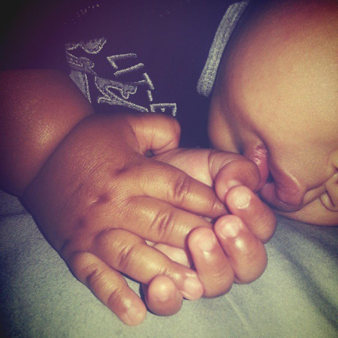 Sweet hands... 😍 SoSweet Prayinghands 🙏 HesGotMyBigManHands 👋 GoodThingHesABoy NotSoGoodForMe 😩 ThoseLipsTho 😗