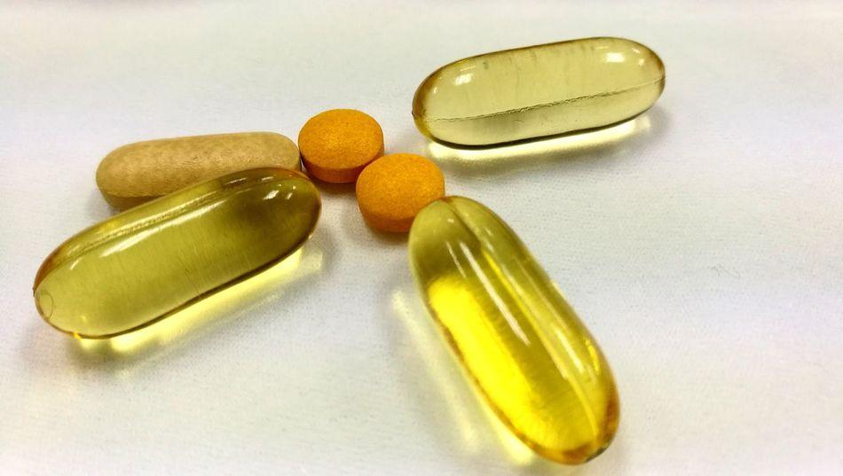Vitamin Vitamins Vitamin C Vitamin B Evening Primrose Supplements Healthy Health Pharmacy Strong Protection Daily Supplementary