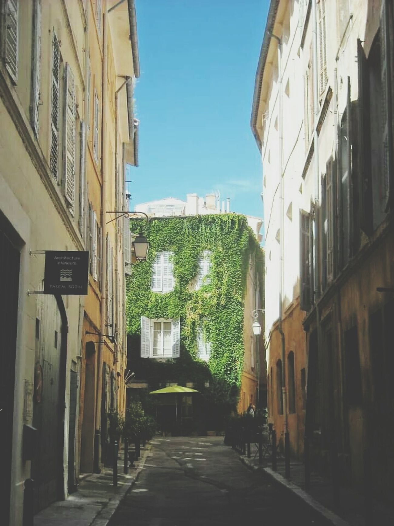 Aixenprovence Charming Houses Houses And Windows Beautiful Houses
