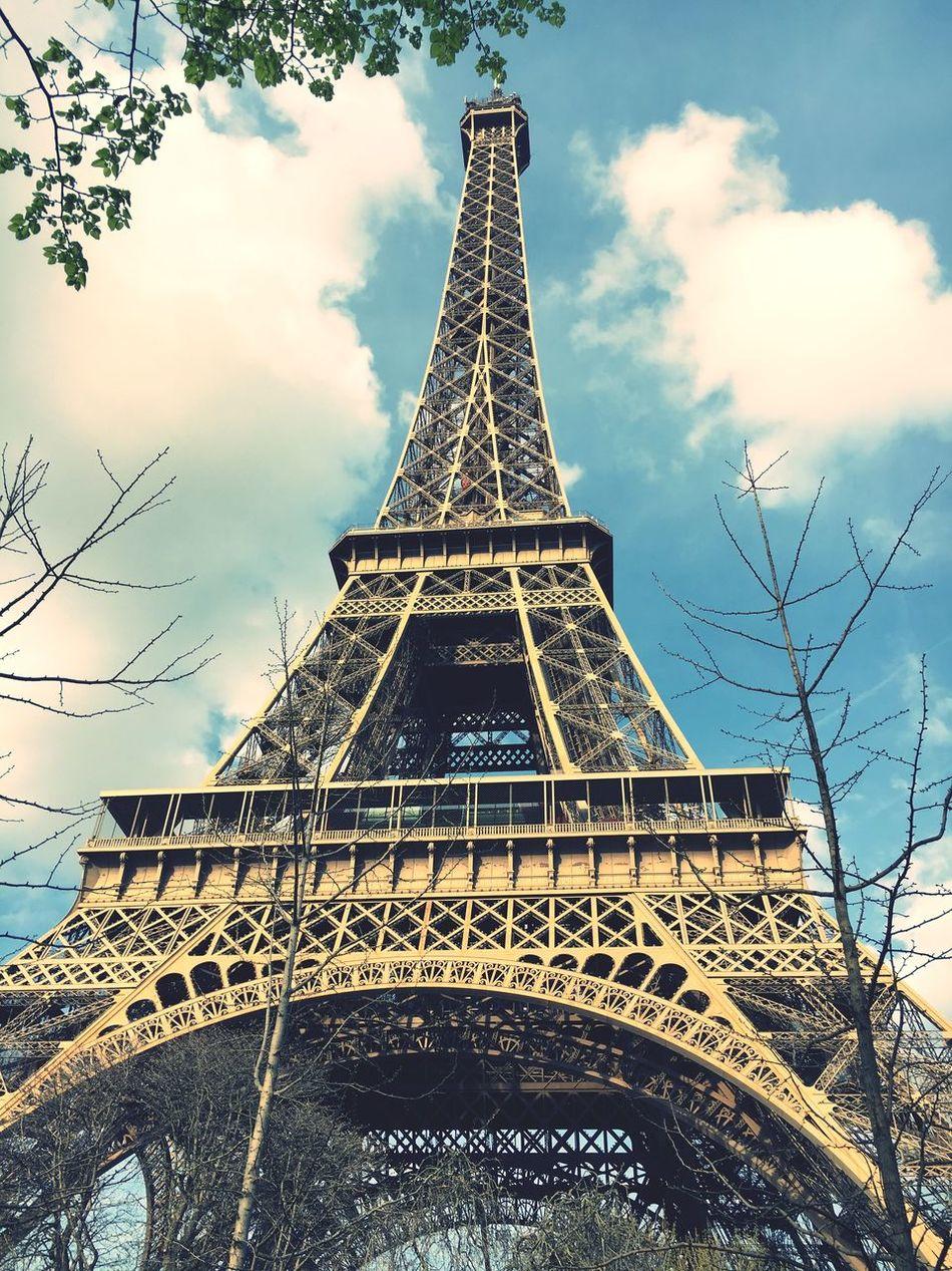 Tour Eiffel Paris Tour Tourism Eiffel Tower Monument Dame De Fer Architecture Travel Destinations Urban Photography Taking Photos Iphone6s