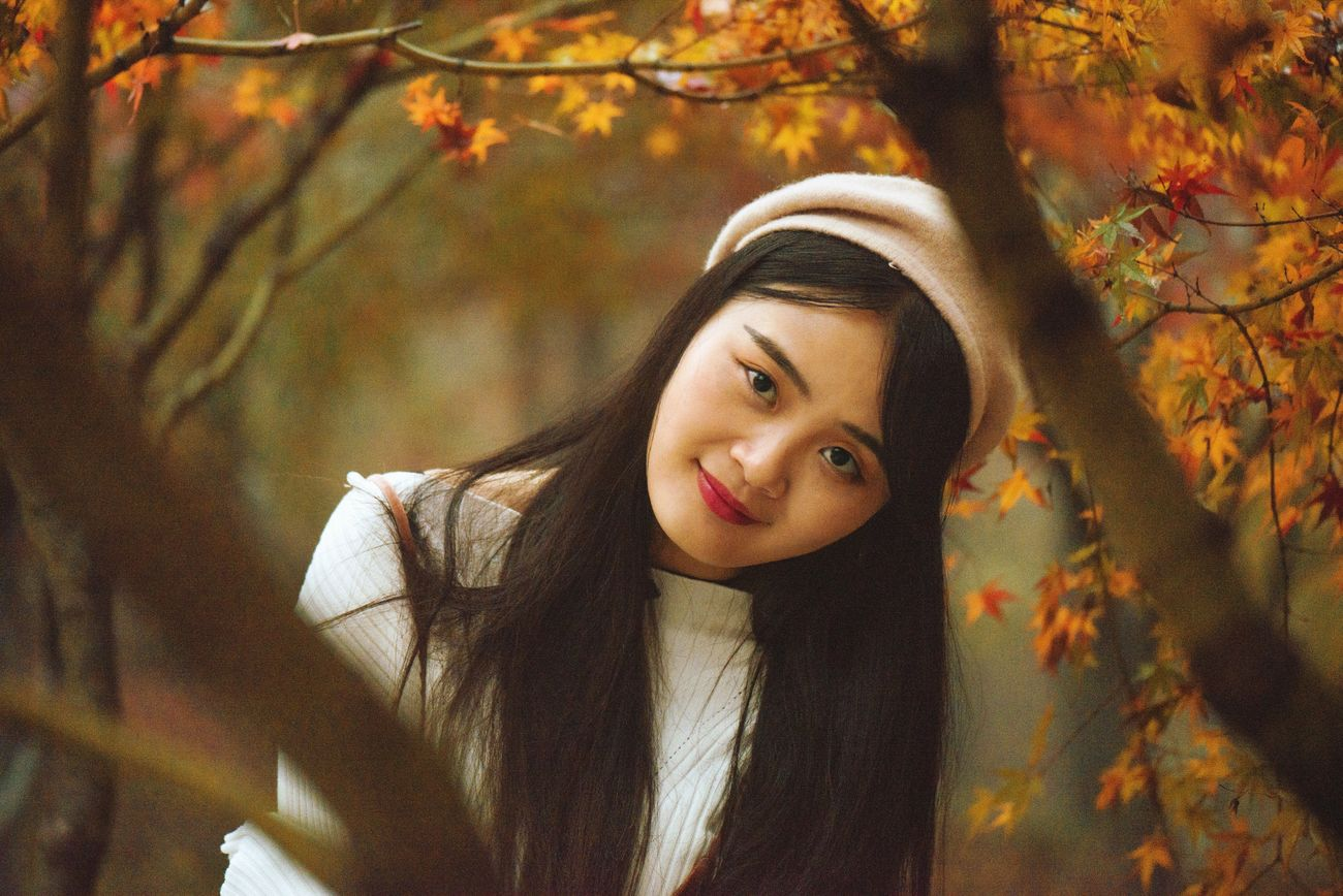 Portrait Photography Autumn🍁🍁🍁 Cold Days Beauty Qixia Temple Retro Chinese Girl Soft