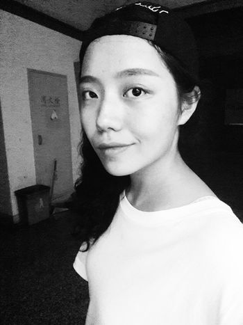 Have a nice day , keep going . Selfieportraid Taking Photos Life Will Be Better Hello World Enjoying Life Relaxing Black & White Portrait Are U Happy My Life