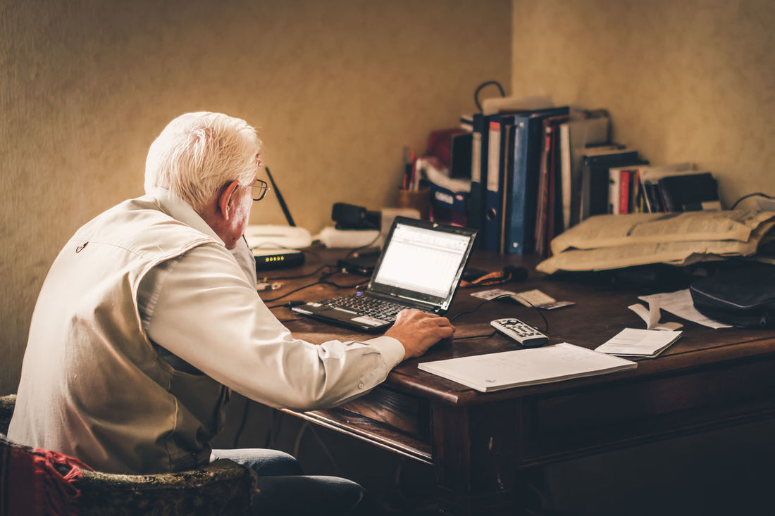 The Old Man and The PC Composition Digital Envision The Future Generation Grey Hair Hanging Out Indoors  Laptop Man Old PC Table Tablet Working Market Reviewers' Top Picks Fresh on Market May 2016 Fresh on Market 2016 Enjoy The New Normal