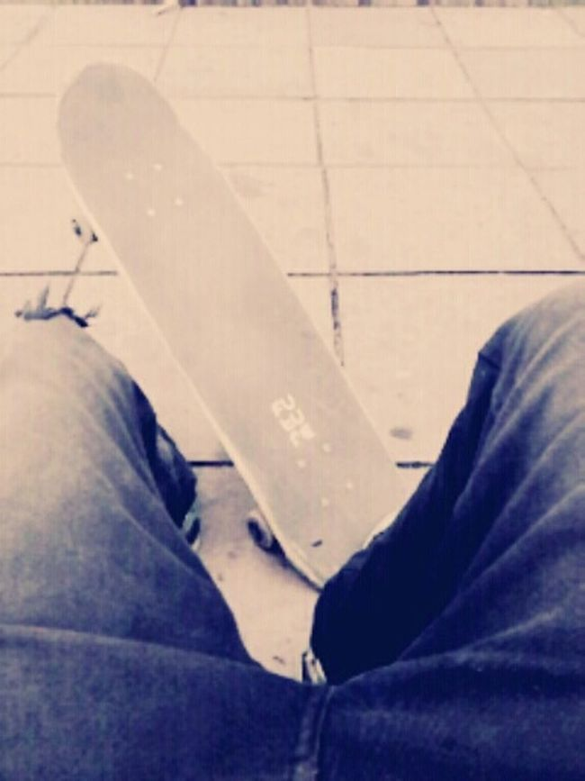 Skateboarding Skateordead