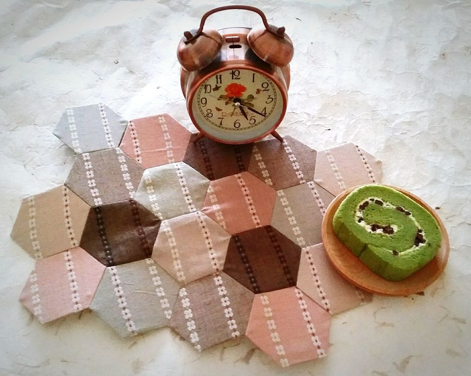 Patchwork Quilting Vintage Quilts Handsewn Handsewing CraftsOld-fashioned Man Made Object Old-fashioned Pattern, Texture, Shape And Form Needlework Fabric Design Fabrics Fabric Handmade By Me Indoors  Greentea Cake SwissRoll Man Made Object