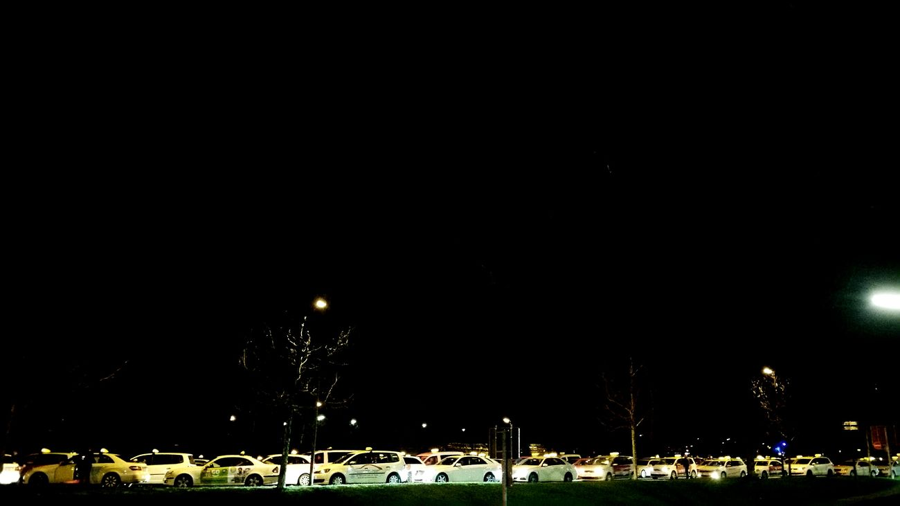 🚕🚕🚕🚕🚕🚕🚕🚕🚕🚕🚕🚕🚕🚕🚕🚕 Night Check It Out EyeEm EyeEm Best Shots Snapshot EyeEm Best Pics Taking Photos EyeEm Best Edits Smartphonephotography From My Point Of View Check This Out Eyeem Ruhrgebiet Oficial Photo Club📷🔨🔧🚣🚟🚛 Ruhrpott Eyeem Best Shot Walking Around