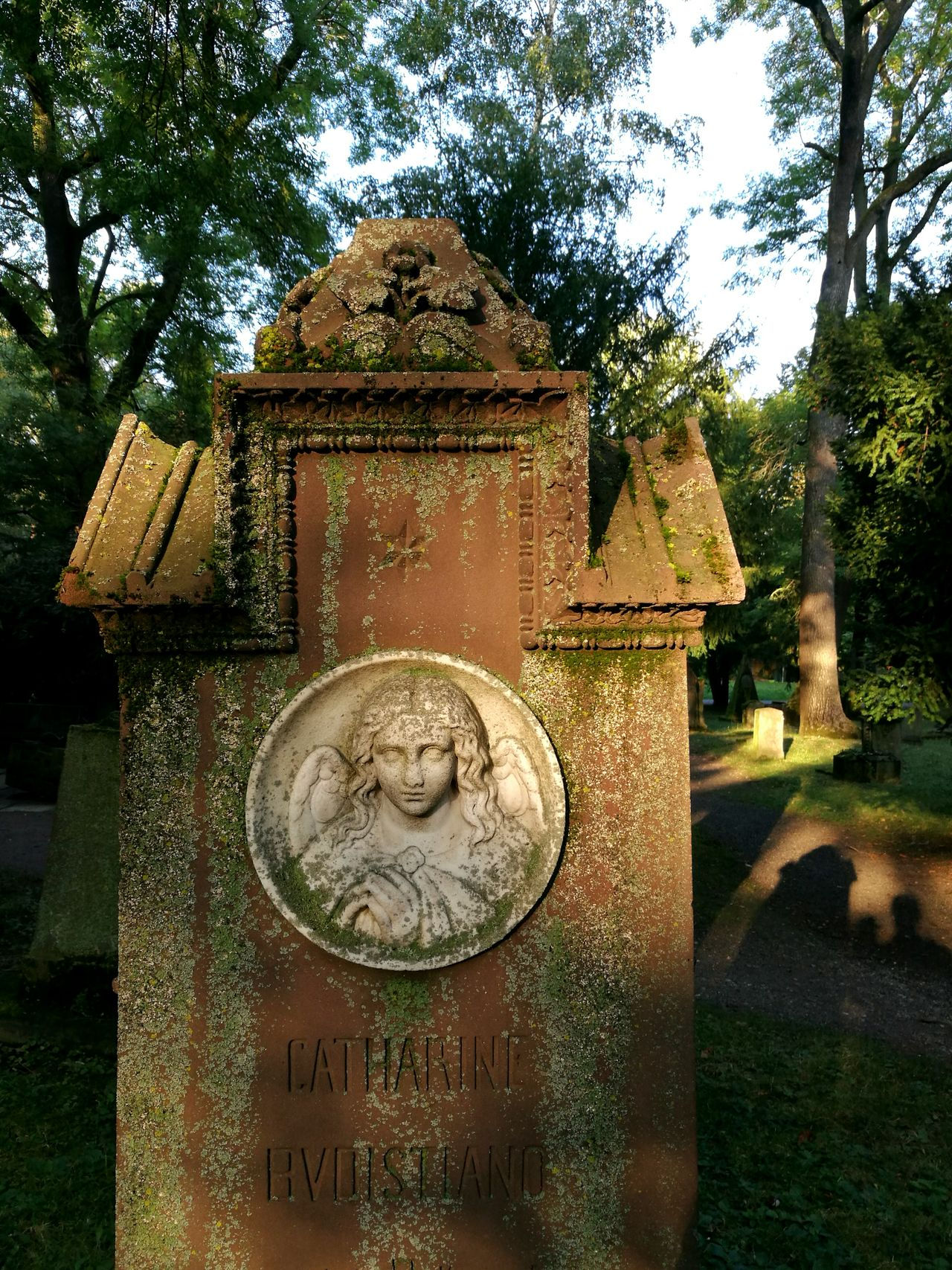 Evening light of an Monument of Love - the old gravestone of an Girl. Graveyard Grave Gravestones Gravestone Graves Memories Stuttgart Old Hoppenlaufriedhof Historical Monuments History