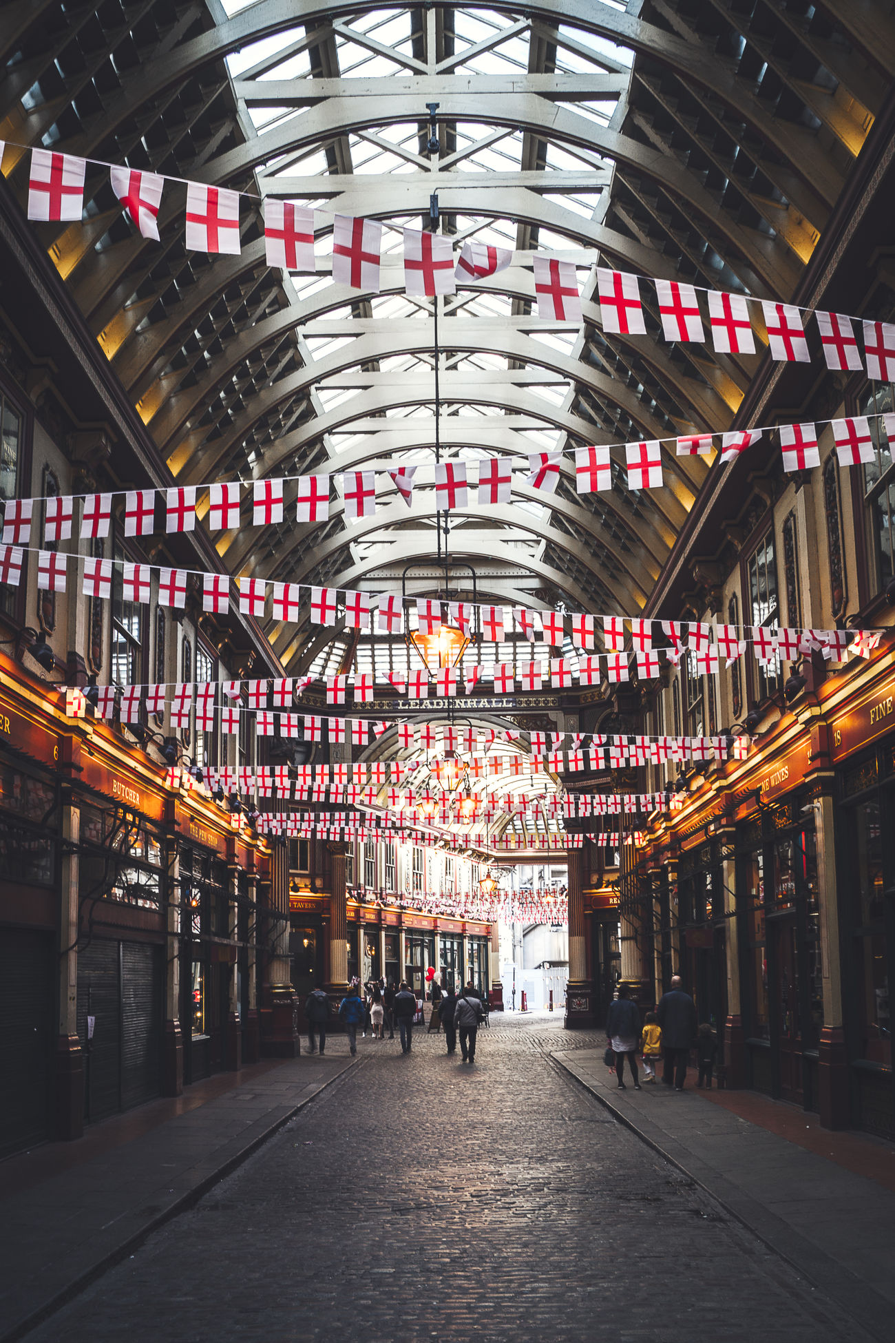 Located at the heart of the old Roman city, Leadenhall market dates back to 1321 and has been serving City clientele meat and poultry ever since. Today's current building is late Victorian and features in Harry Potter and the Philosopher's Stone as the area around and entrance to Diagon Alley. Read more: Architecture Britain Building But City Diagon Alley England Enjoying Life GB Hanging Out Historic Indoors  KINGDOM Leadenhall London Market P Potted Plant Roman Square Squaready Tourism Uk Victorian Walks