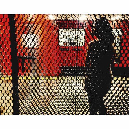 """Se va el tren"" Metro Cdmx Stcmetro Subwayphotography Subway Station Lines Beautiful Girl"