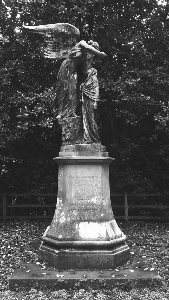 Memorial in Dean park. Hanging Out Taking Photos Check This Out Hello World Ghostly Memorial Graveyard Beauty Blackandwhite Black And White Blackandwhite Photography
