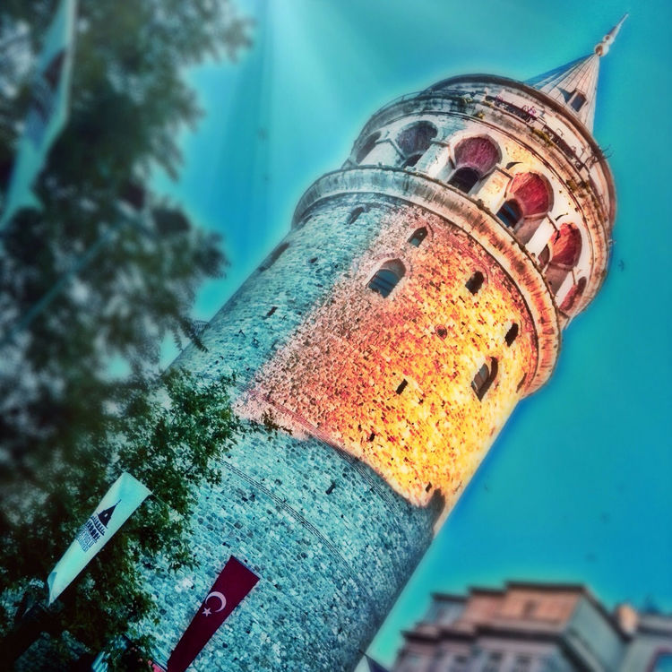 tower in İstanbul by Fabiana Abud