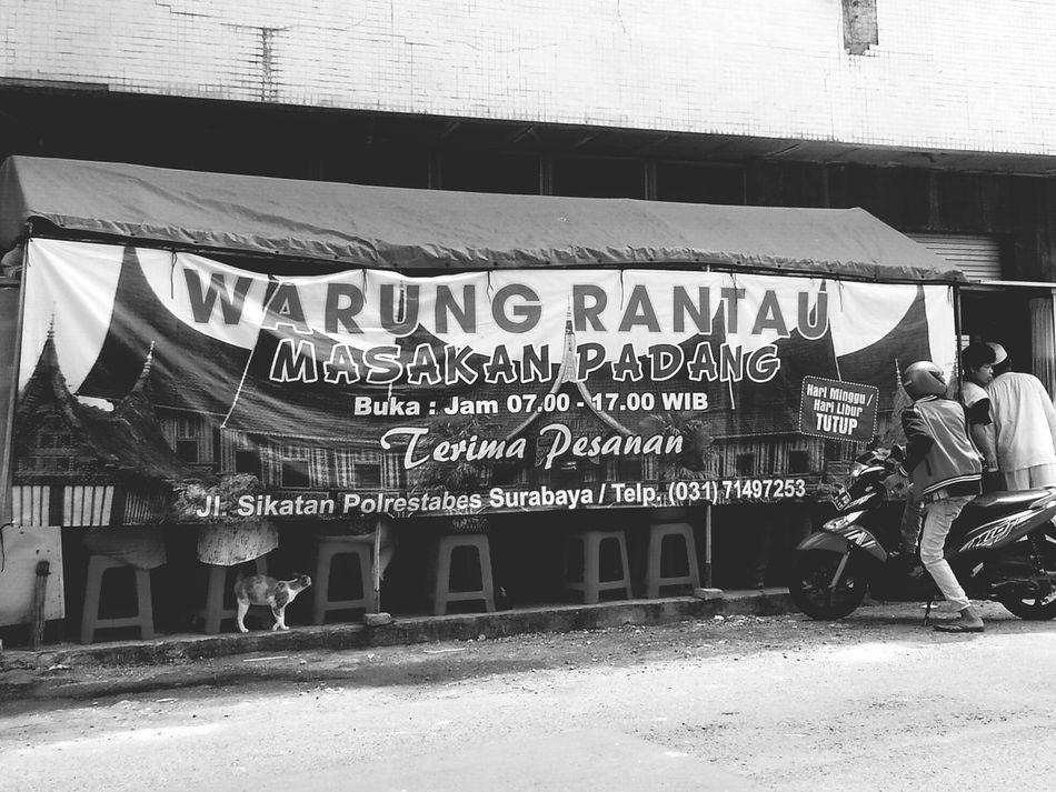 Urang rantau buka warung Padang Food