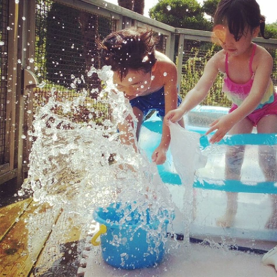 Child Splash Nephew  Niece  Swimmingpool プール 水しぶき ビニールプール