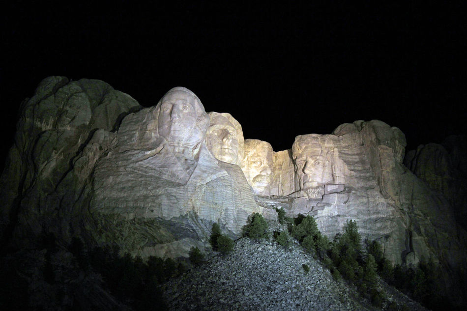 Mt. Rushmore Clear Sky Famous Place Majestic Mt. Fuji Night S Scenics Stone Material US Presidents Day