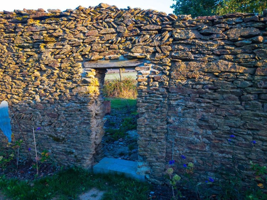 Stone Wall Architecture Built Structure Day Stone Material History Outdoors Arch No People Plant Building Exterior Nature Golden Hour Rural Scene Ruins France IPhoneography Iphoneonly