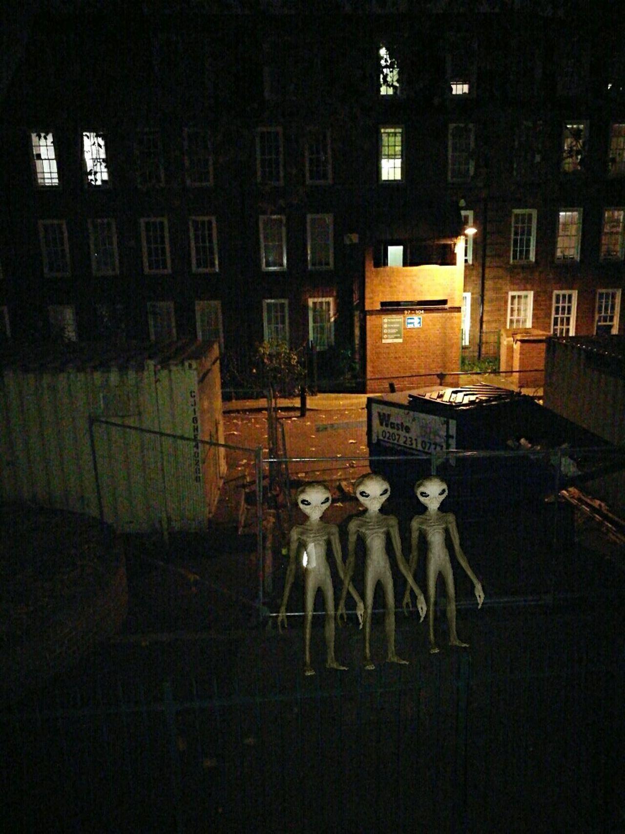 Alien Alien Invasion Fantasy Dreaming At Home LONDON❤ Enjoying Life UFO Tranquility Life Cultures Night London London London!!! Fantasy SpaceShip Extraterrestrial