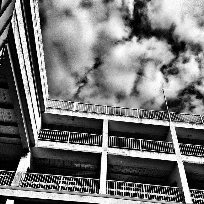 Urbanphotography Urban Geometry IPhoneography Streamzoofamily Monochrome Monoart Urban Blackandwhite Skyporn Cloudporn