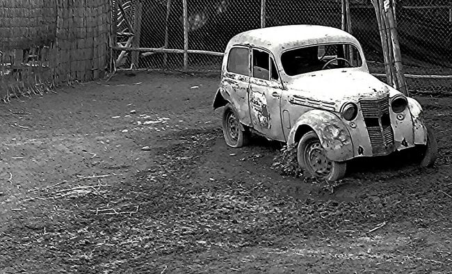 Chile Classic Furious Nature Old School Magnetic Black And White Whatsoever