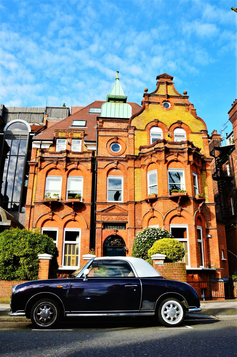 Architecture City Sky Building Exterior Built Structure No People LONDON❤ London Londonthroughmycam London_only Londonlife Springtime Spring Swisscottage Englishhome London Streets Londononly Victorian Style Architecture Rolls Royce Car