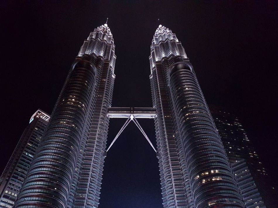 Twin Towers by Galaxy s7/ Pro Mode Buildings Architecture First Eyeem Photo Twintowers Malaysia KLCC Tower Kuala Lumpur Twin Tower Kuala Lumpur Malaysia  Galaxy S7