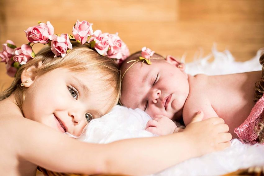My lovely nieces 👸👸❤❤❤❤Emanuelly and Isabelly Family Happiness Love Baby Portrait My Angels My Dolls Mybabys MYheart Babys Kidslover