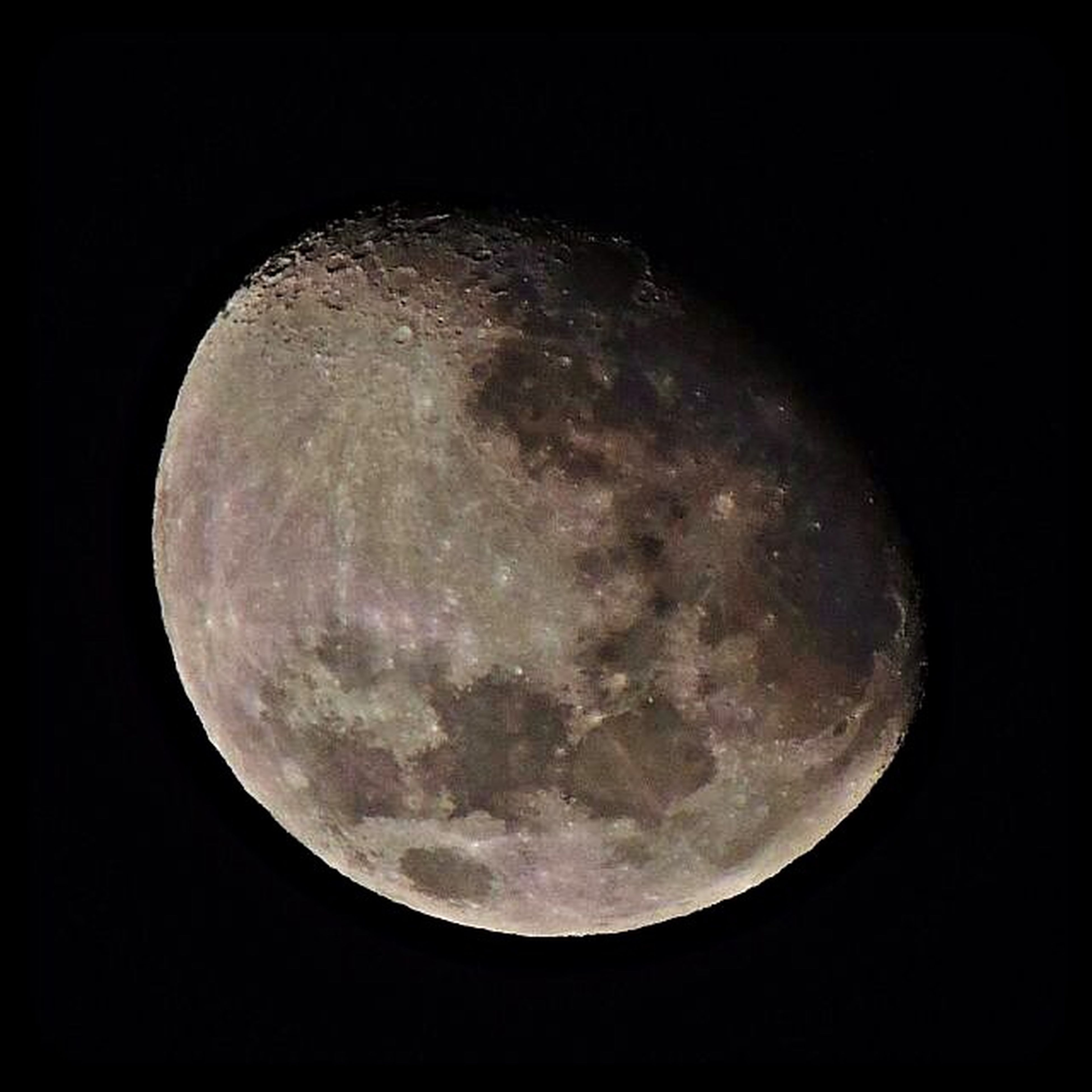 astronomy, night, moon, circle, dark, moon surface, planetary moon, full moon, space exploration, discovery, copy space, beauty in nature, low angle view, sphere, nature, space, sky, scenics, tranquil scene, tranquility