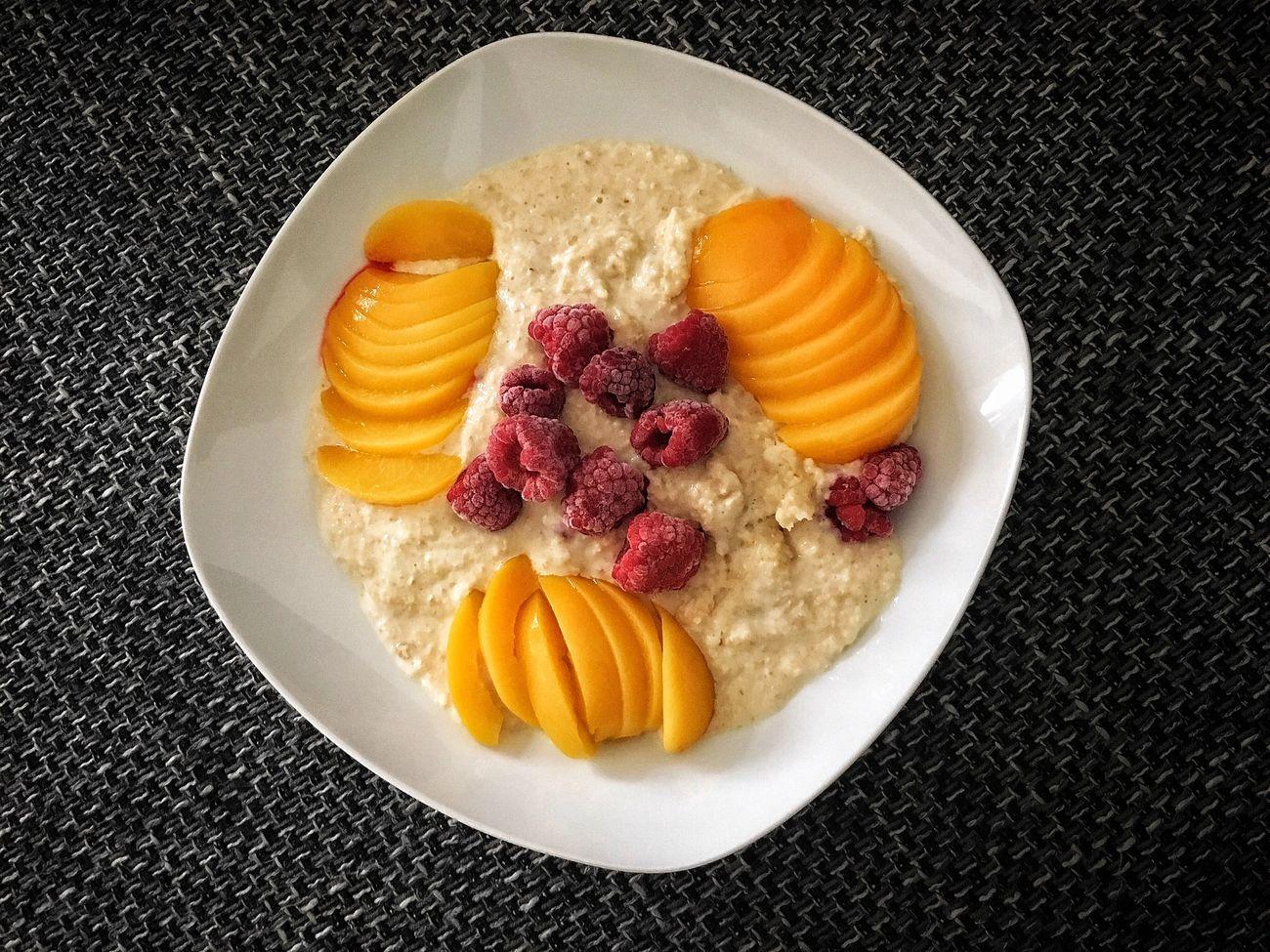 Things I Like Fit Food Gesund Leckerschmecker Porridge am Morgen vertreibt Kummer und Sorgen.