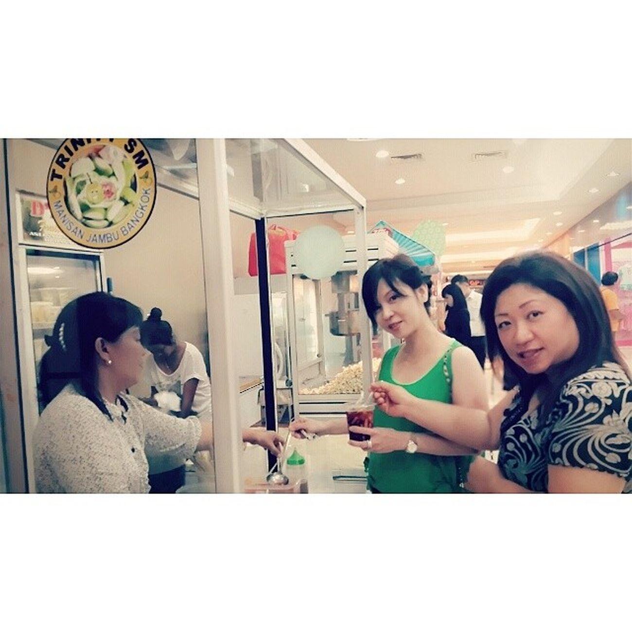 2014.05.12 Jajanan lokal Manado Manado MANTOS INDONESIA Snack Food