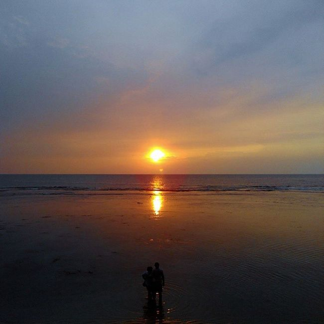 Couple Coupleoftheyear Prewed Sunrise_and_sunsets Sunset Love Anyer  Banten INDONESIA Senja  Pasangan Lenovotography Photooftheday Photophone  Lzybstrd Beach Jingga Pocketphotography