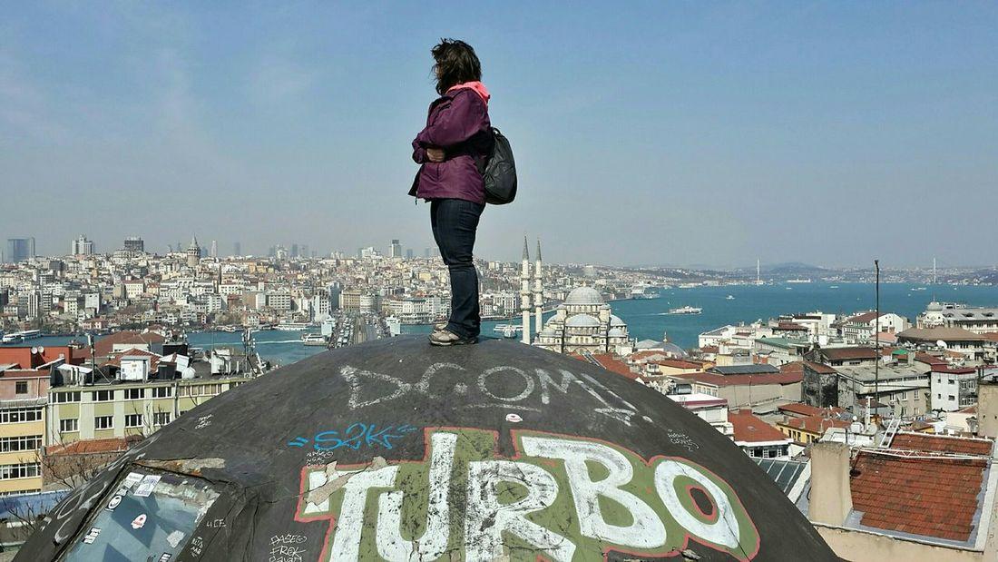 Sana bir tepeden baktım İstanbul... That's Me Hello World Ineedamiracleformylostsoul Getting In Touch Eye4photography  Historical Sights Historical Building EyeEm Best Shots Silhouette