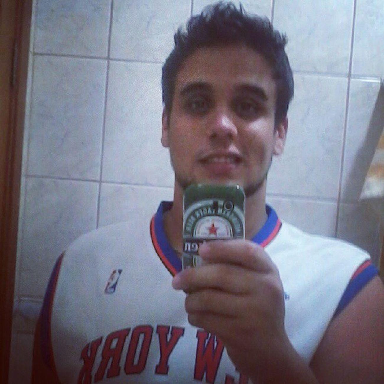 Feliz ano novo galerow! (Não, eu não sou torcedor do Knicks, sou Miami Heat até o fim! Mas como coleciono jerseys da NBA, escolhi a do Knicks) Bom 2013 a todos nós! Happynewyear Felizanonovo NBA Letsgoheat NotaNYKnicksfan