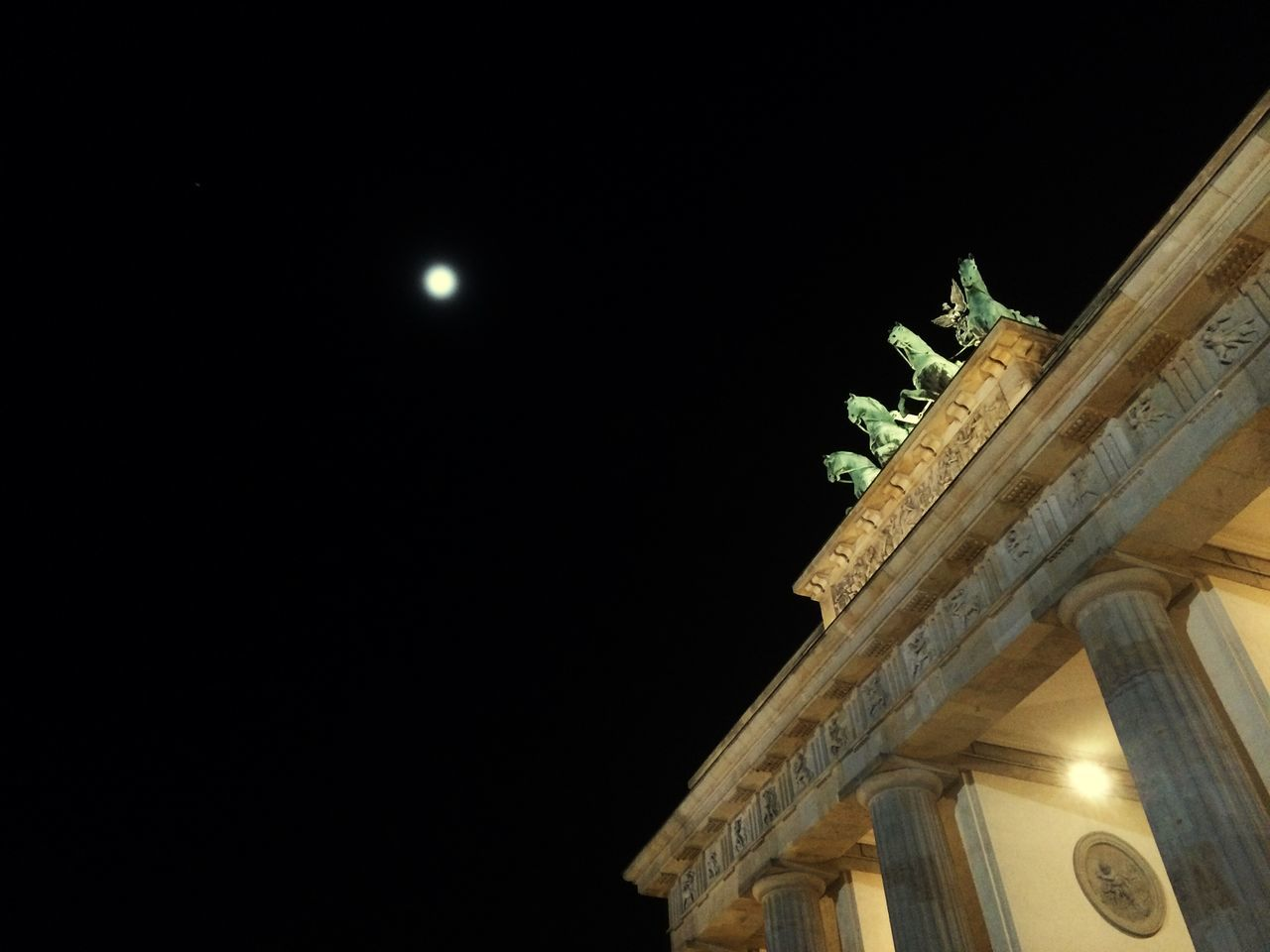 Branderburgertor Berlin Historical Monuments Sightseeing Historic Moonlight Moon Mood