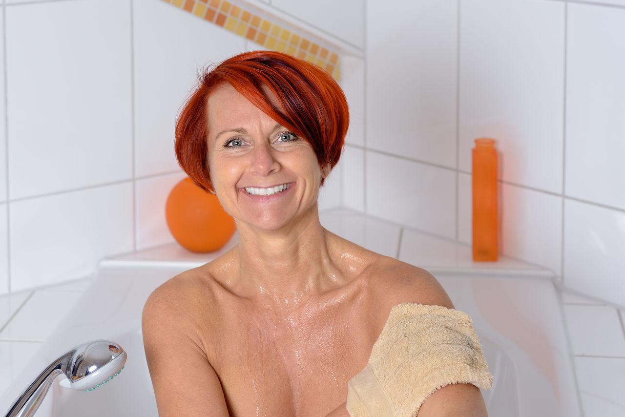 Beautiful stock photos of badezimmer, domestic room, indoors, soap sud, domestic bathroom